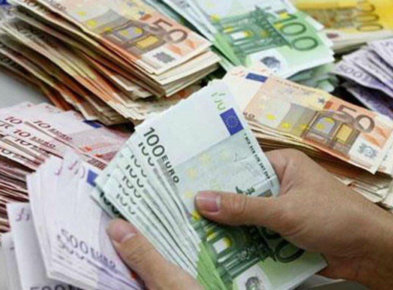 Pour emprunter de l'argent ou obtenir un crédit à la banque ou chez un particulier