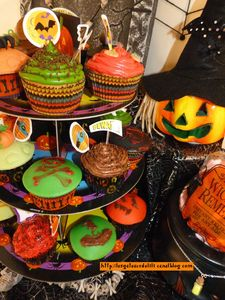 12 10 27 - cupcakes halloween - présentation (23)