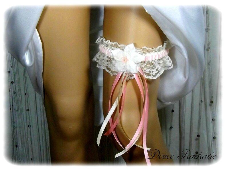Jarretière de mariée ivoire et rose