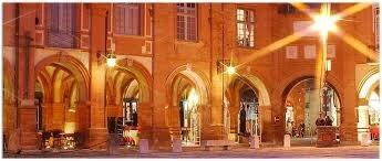 Montauban. Place nationale (on ne devrait jamais la quitter)