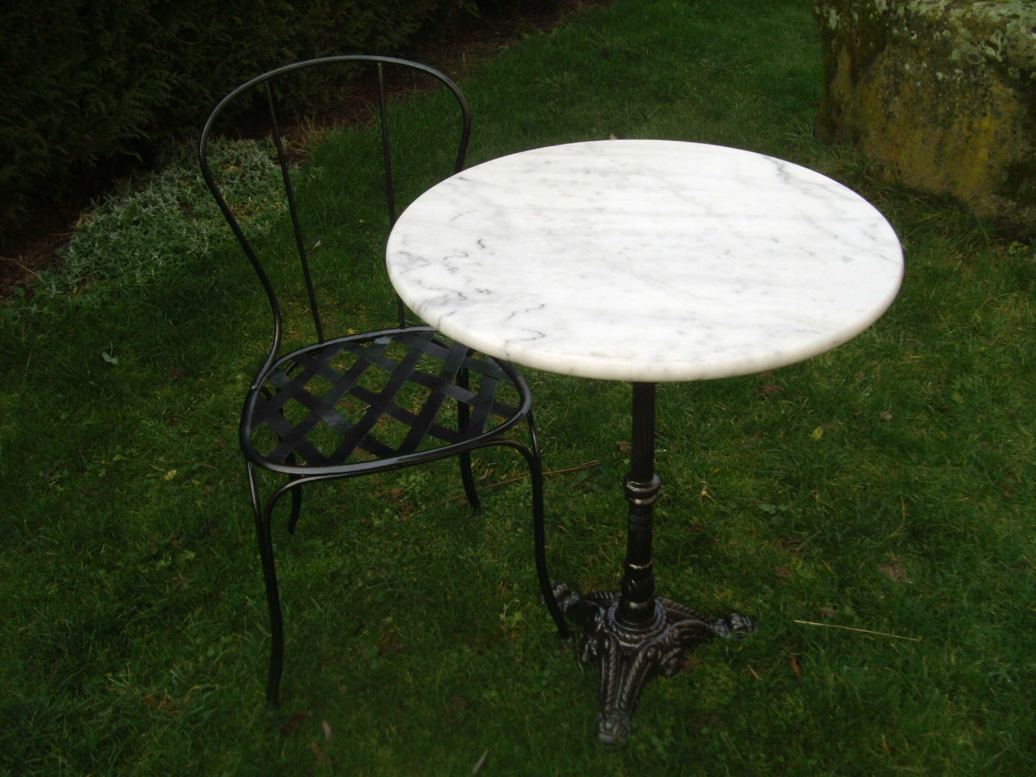 Stunning Table De Jardin Ronde En Fonte Photos - House Design ...
