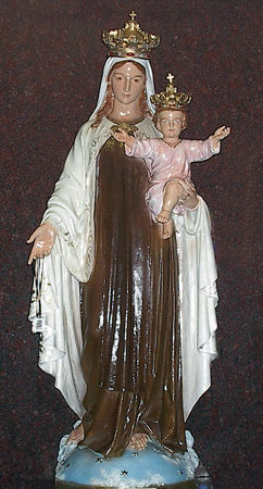 stat_mary_holds_jesus