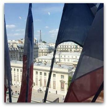 France drapeaux lieu officiel