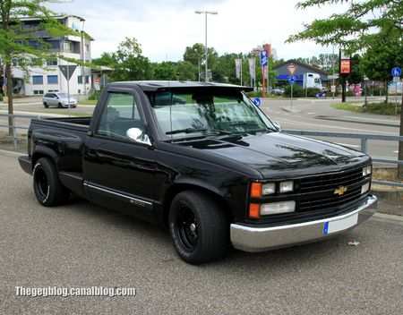 Chevrolet silverado pick-up custom de 1989 (Rencard Burger King juin 2012) 01
