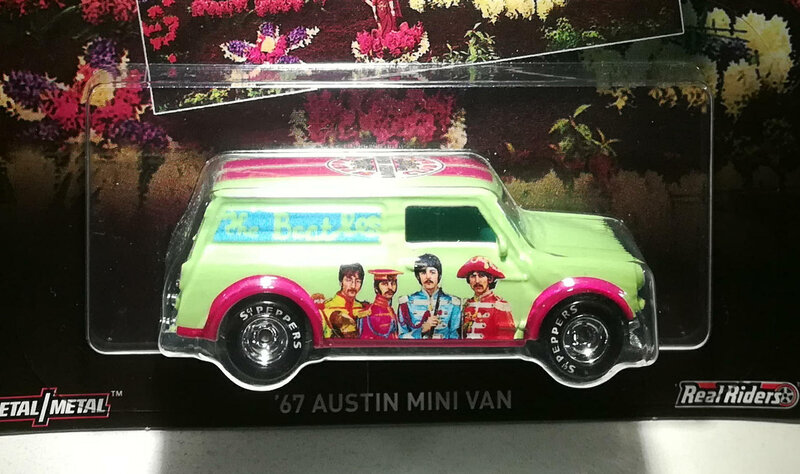 Austin Mini Van de 1967 (The Beatles) Hotwheels 01