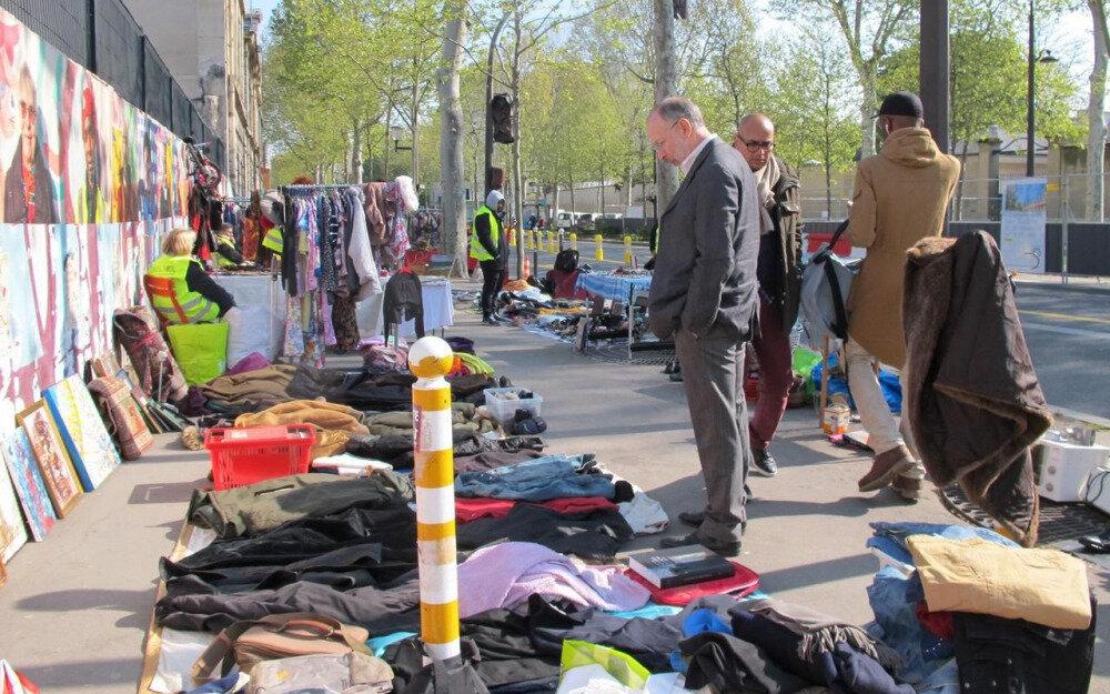 Le marché des associations de biffins organisés à Denfert Rochereau - Le Parisien