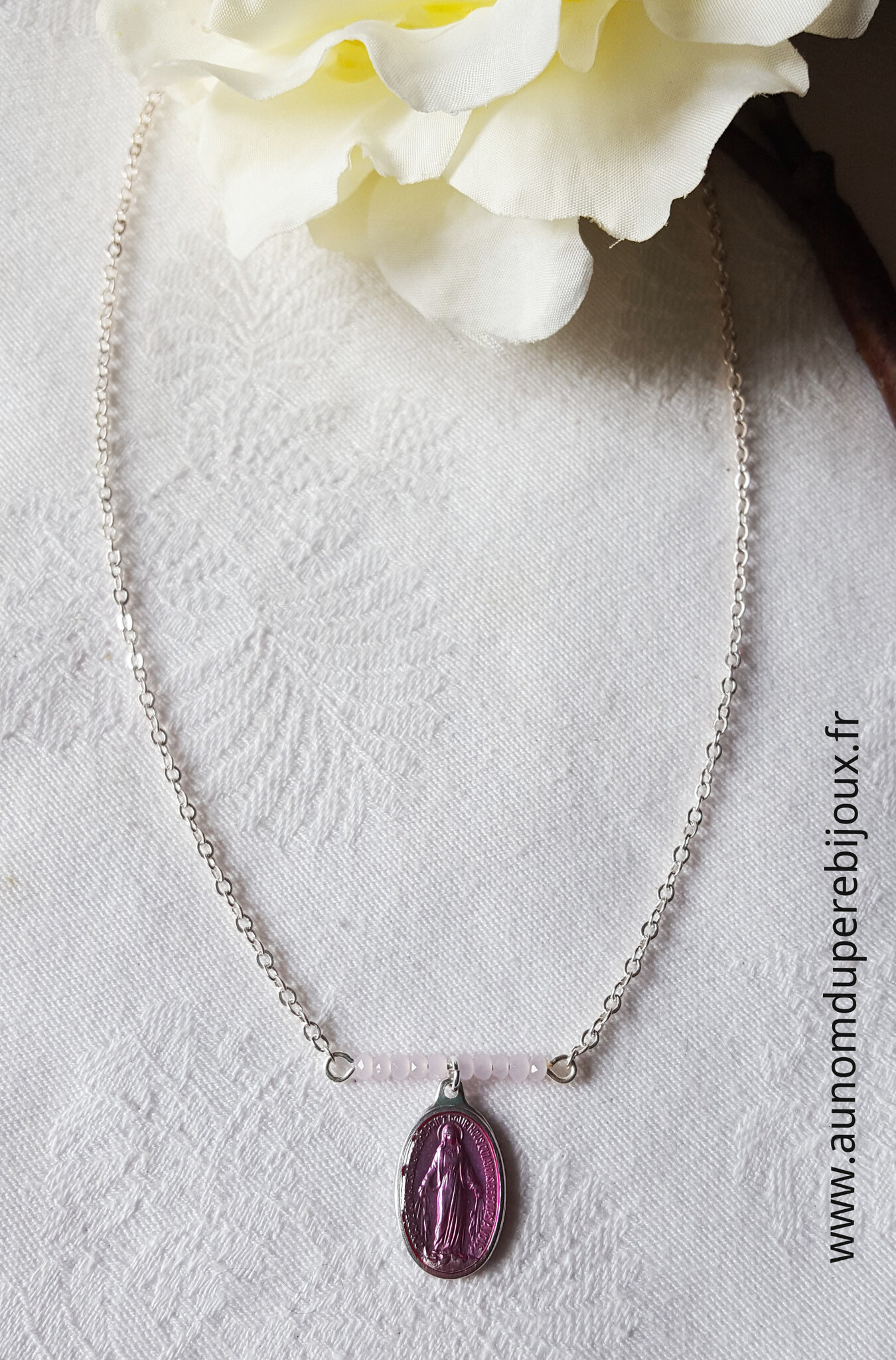 Collier Maria (rose clair) - 15 €