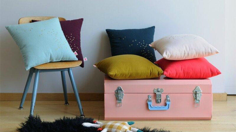 03E8000008180558-photo-coussins-couleurs-or-nouvelle-collection-hiver-la-cerise-sur-le-gateau