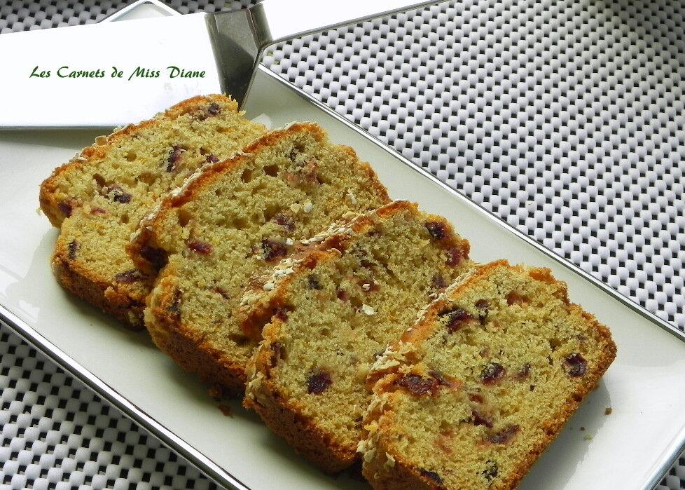 Pain ou cake aux canneberges et à l'orange, sans gluten et sans lactose