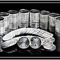 #crise mondiale l'argent métal est essentiel dans la vie moderne (profitez en son prix est sous-évalué)(2 ans qu'on le répète..)