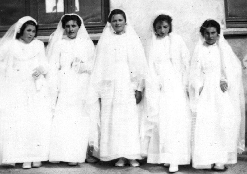 Ch41 - 1956-04-25 - Communion solennelle et confirmation 2 - (École du Christ Roi)
