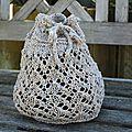Petit sac tricoté