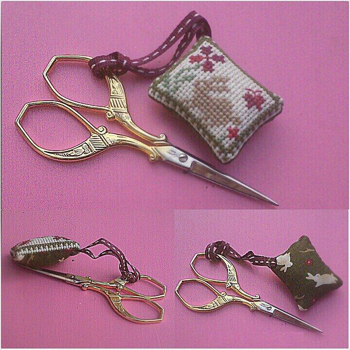 little pillow petit coussin broderie pour ciseaux for scissors