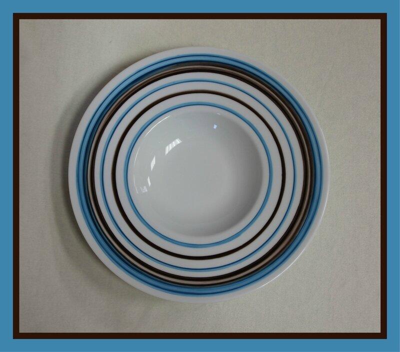 Assiette filets marron et bleu IMG_0275