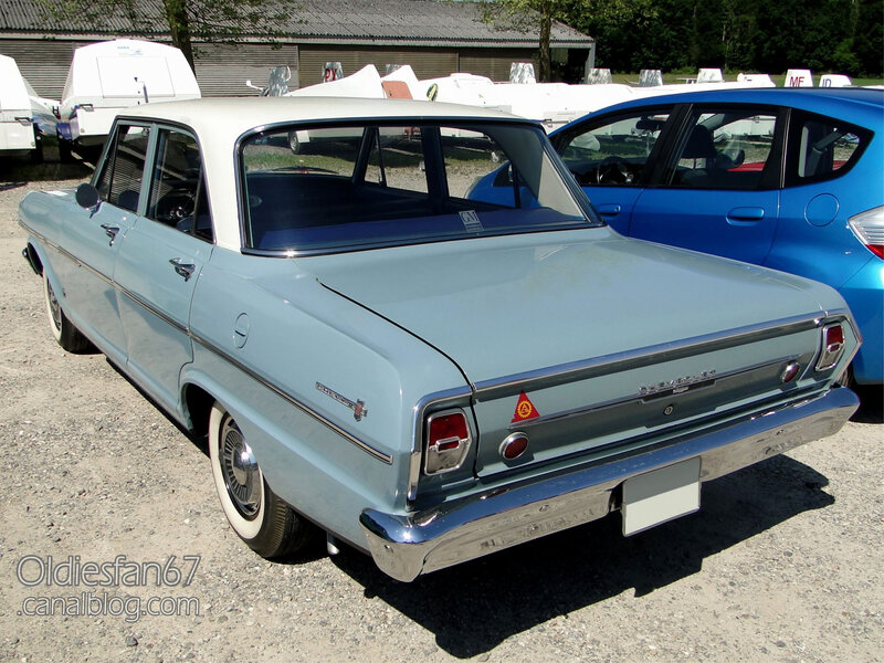 Chevrolet Chevy II 300 4door sedan-1963-04