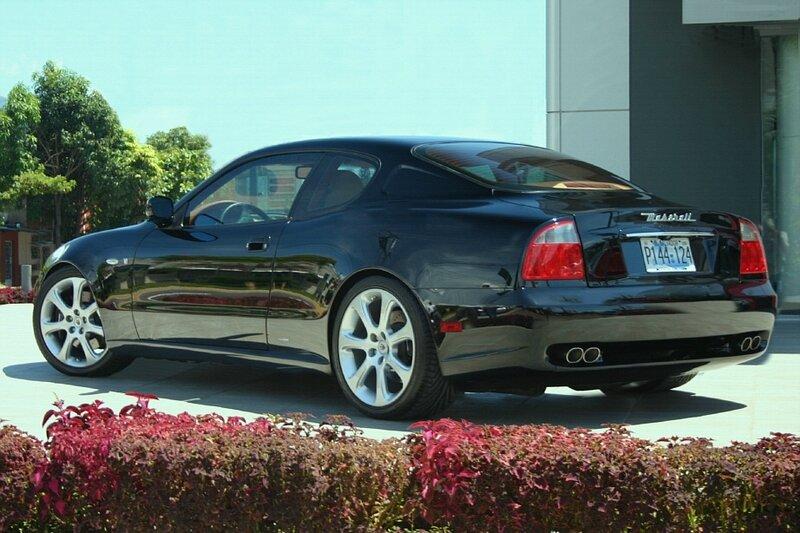 Maserati_Coupe_-_black