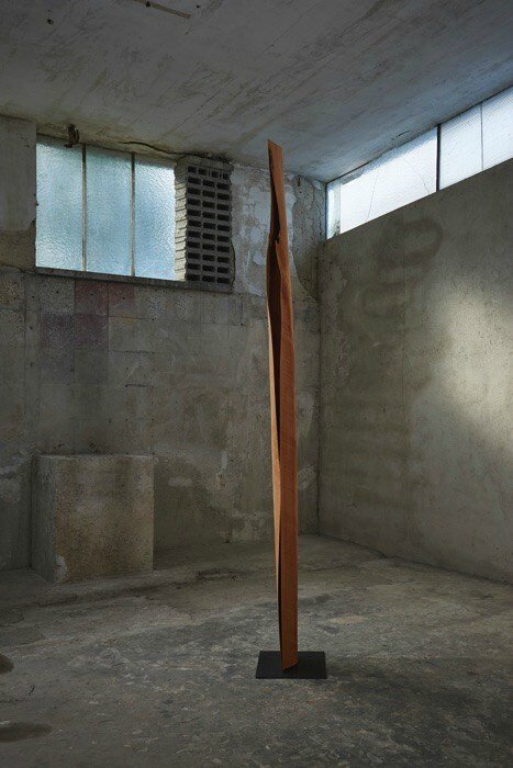 03_Herbert-Golser-untitled-2013-pear-wood-26x13x265cm_artupdate