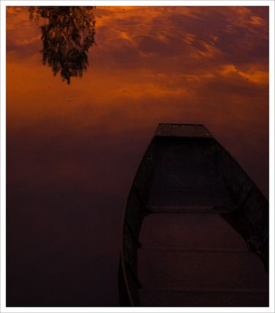 reflet_ciel_rouge_barque_S_QM_soir_071008