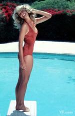 farrah_fawcett_by_bruce_mcboom-red_swimsuit-01-2