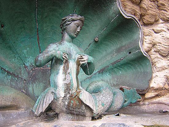 Sirène de la fontaine des dames 1785 Besançon