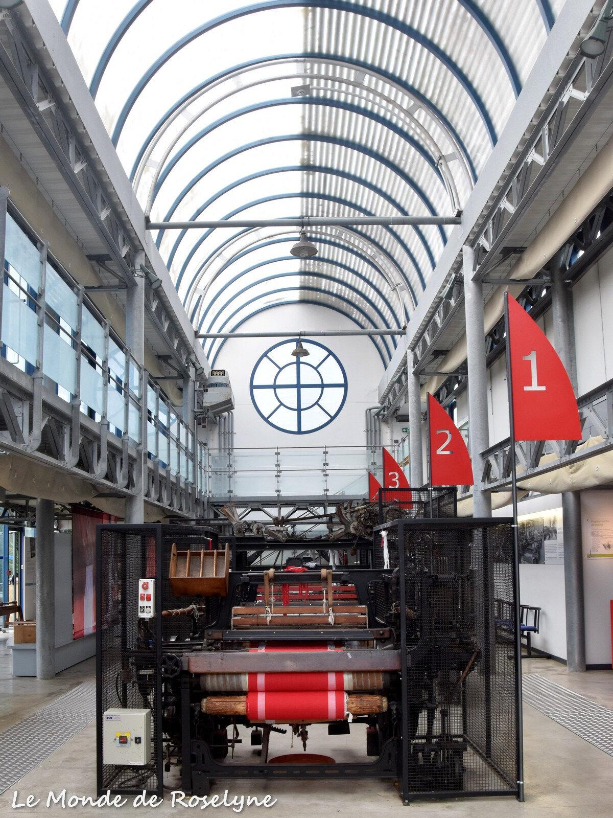 Visite au Musée du textile et de la mode à Cholet défilement ou diaporama en cliquant sur la photo 1