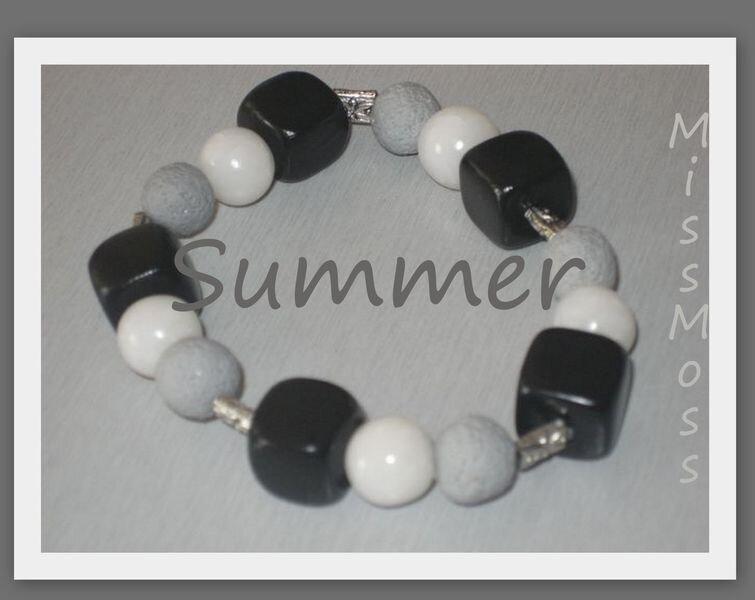 Summer bracelet b&w