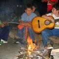 Los instrumentistas durante el fogón