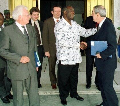 le FPI,parti politique fondé et dirigé aujourd'hui par le président LAURENT GBAGBO,tient saluer la mémoire de l'homme d'État