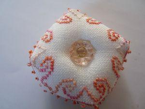 Biscornu avec rose et spirale (3)
