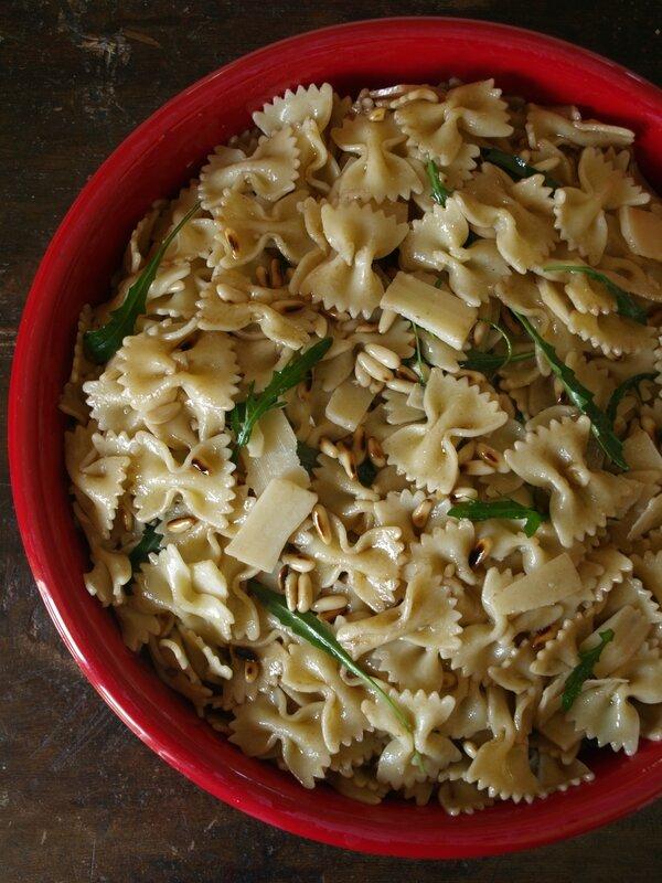 salade farfalle roquette parmesan pignons
