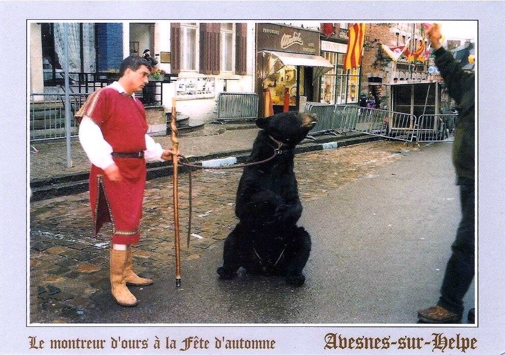 AVESNES SUR HELPE-Montreur d'ours 1966