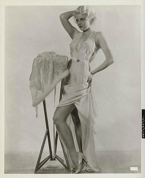 jean-1930-portrait_entier-04-1