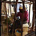 Mali : un tisserand