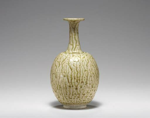 A rare olive-glazed stoneware ovoid bottle, Sui-Early Tang dynasty, 6th-7th century