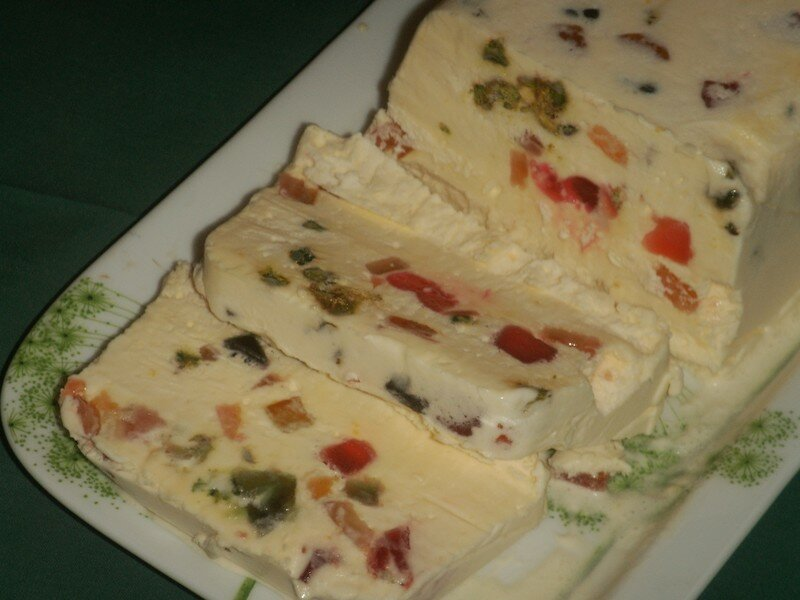 Nougat Glace Fruits Confits Et Coulis Framboises La Table De Pascaloue