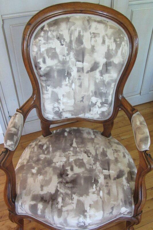 changer le tissu d'un fauteuil à Brest