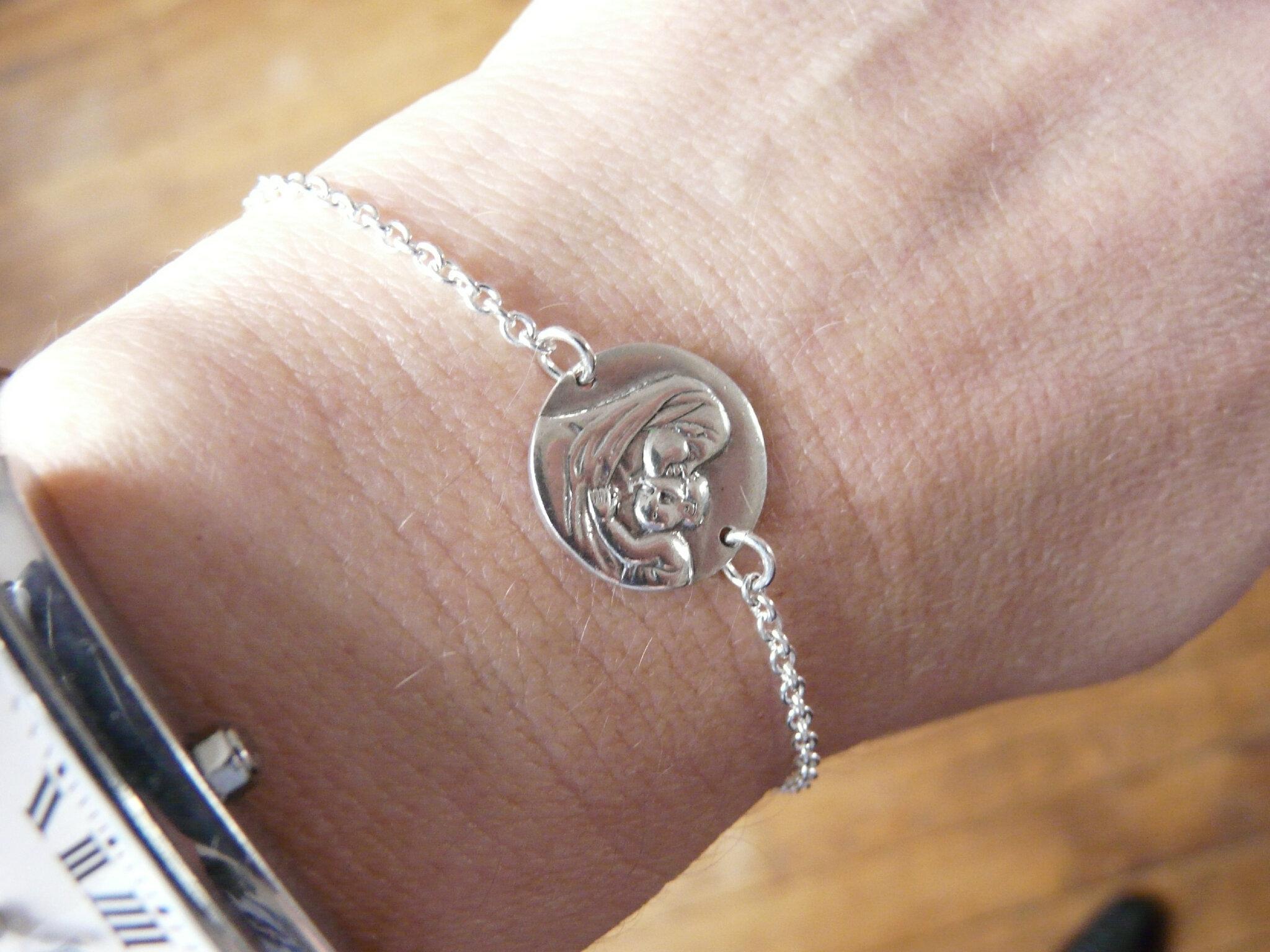 Bracelet médaille de Vierge à l'Enfant sur chaîne en argent massif fine - 44 €