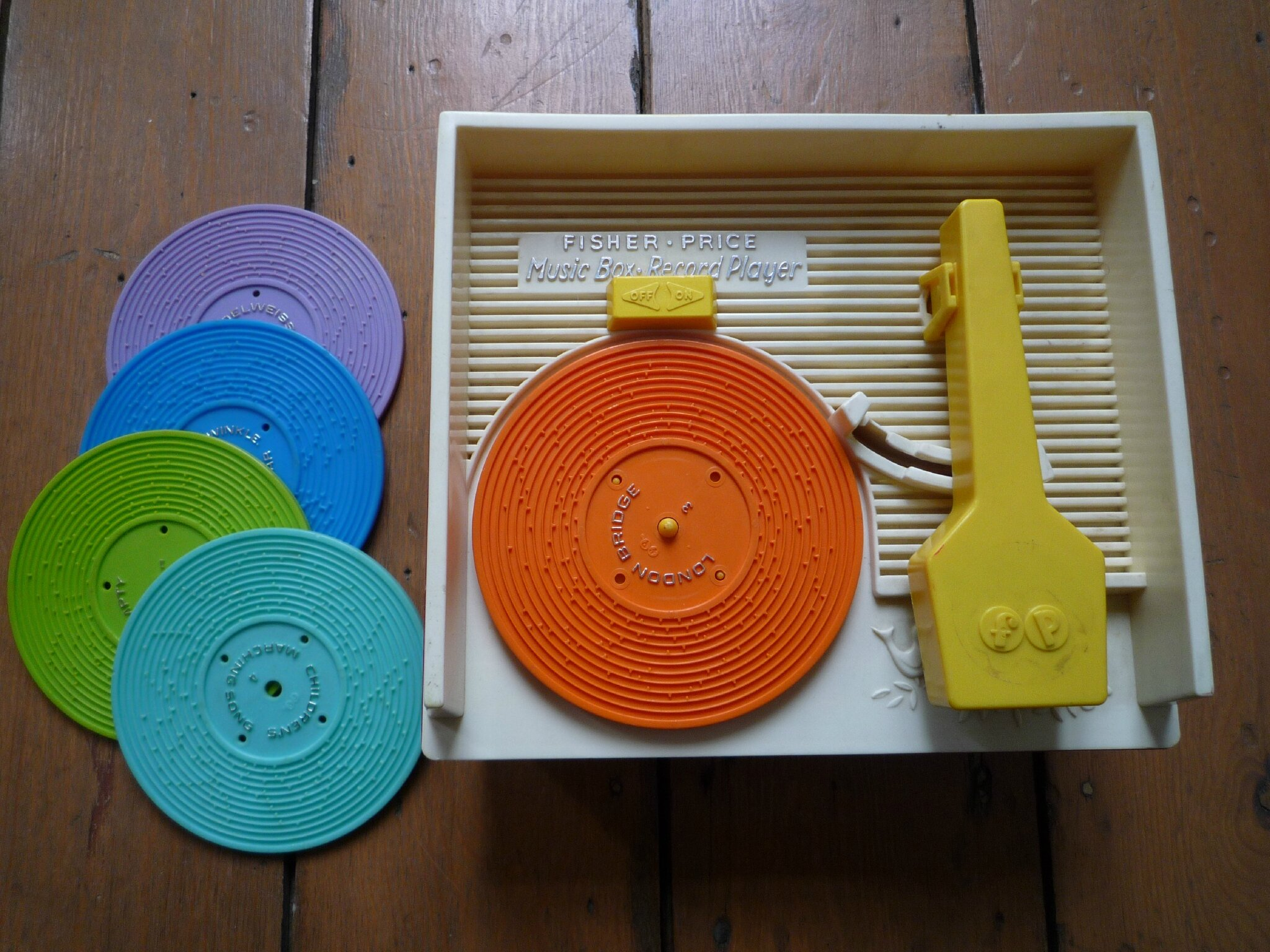 Music box record player - Fisher Price (2)