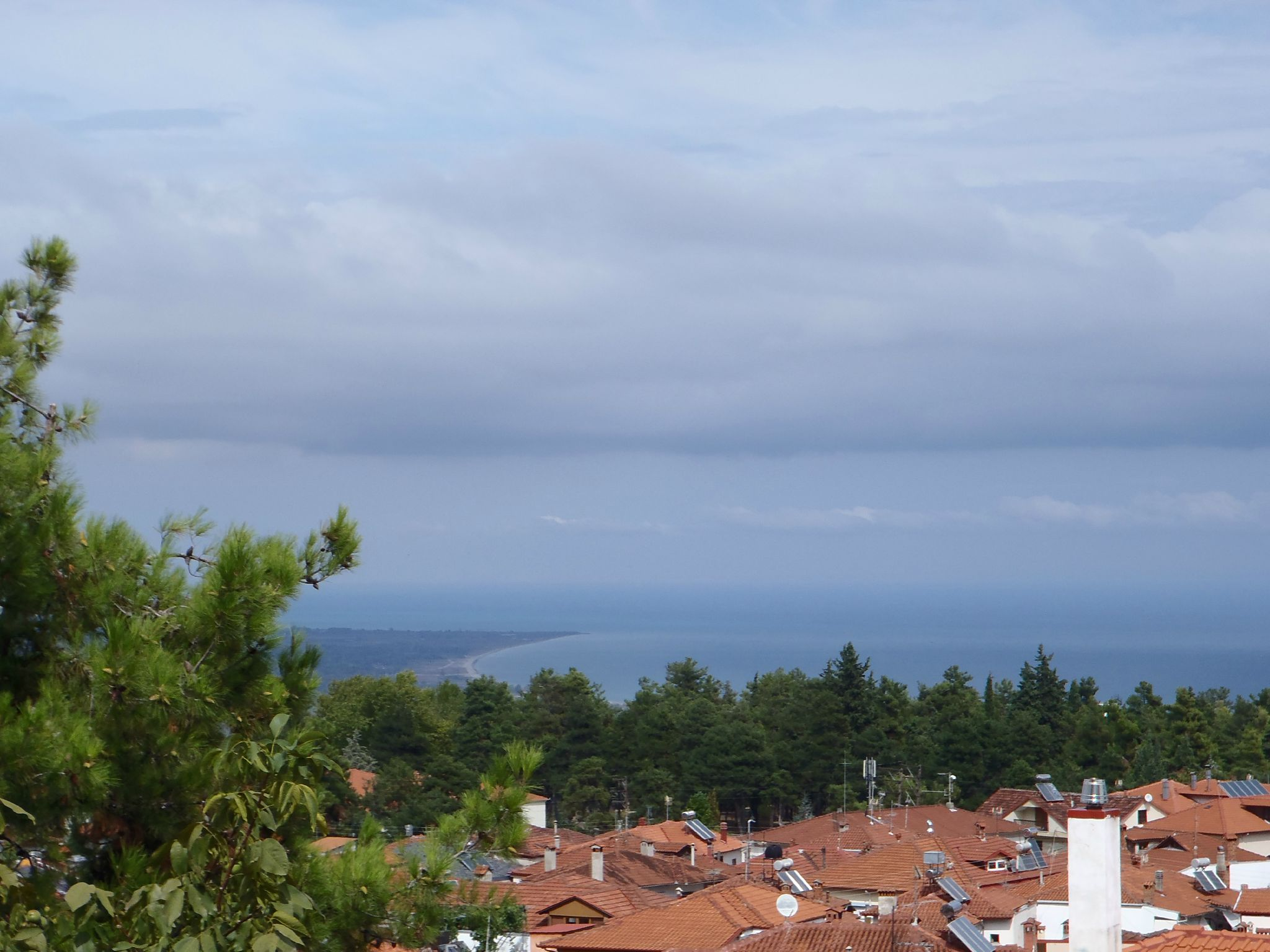 grece : lithokoro vue sur katarina et la mer egée