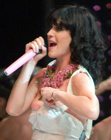 katy_perry_nipple_slip_hq_03