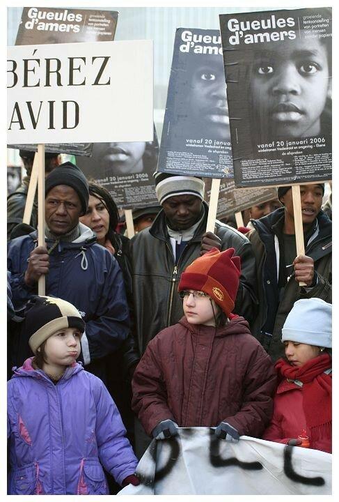 2006 les occupants de St Boniface a la manif nat. du 25 fevrier