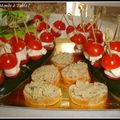 Mini brochettes de tomates cerises , mozzarella de bufflone et basilic