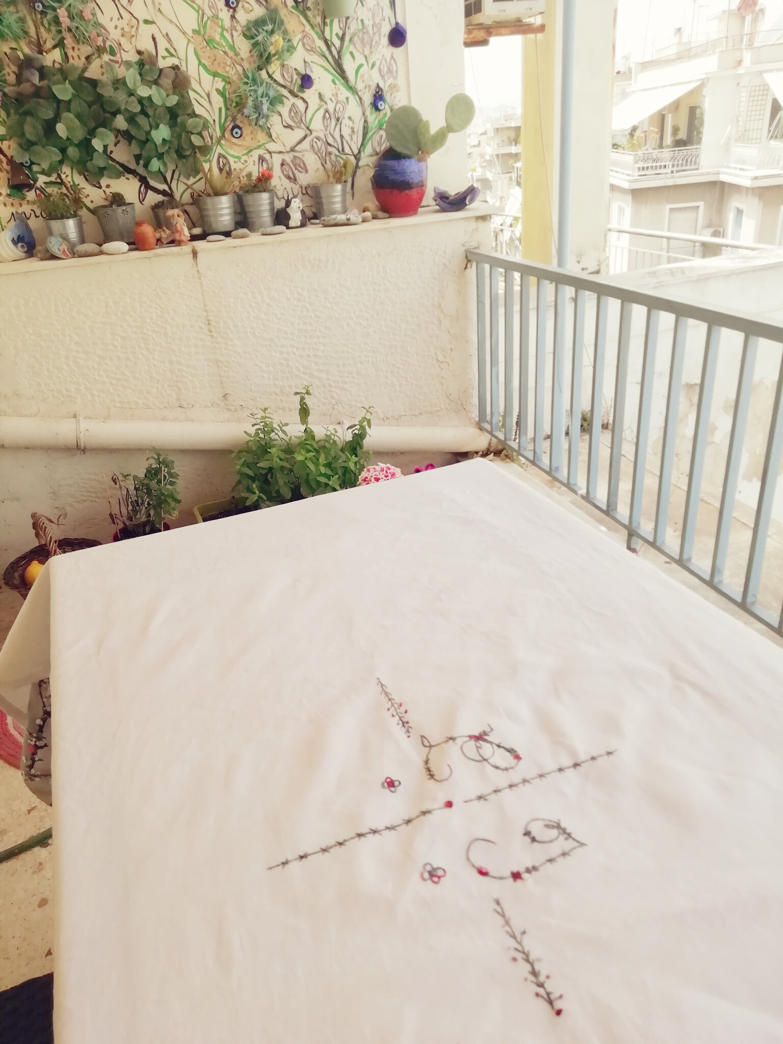 Broderie récup : Tables fleuries