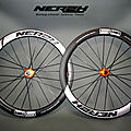 Roues carbone frein a disque tubeless
