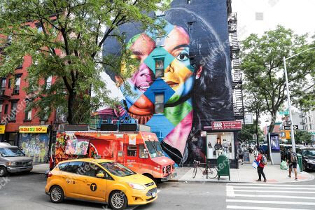 michael-jackson-mural-unveiled-new-york-usa-shutterstock-editorial-9776753a