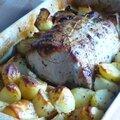 Rôti de porc aux pommes de terre et à l'ail