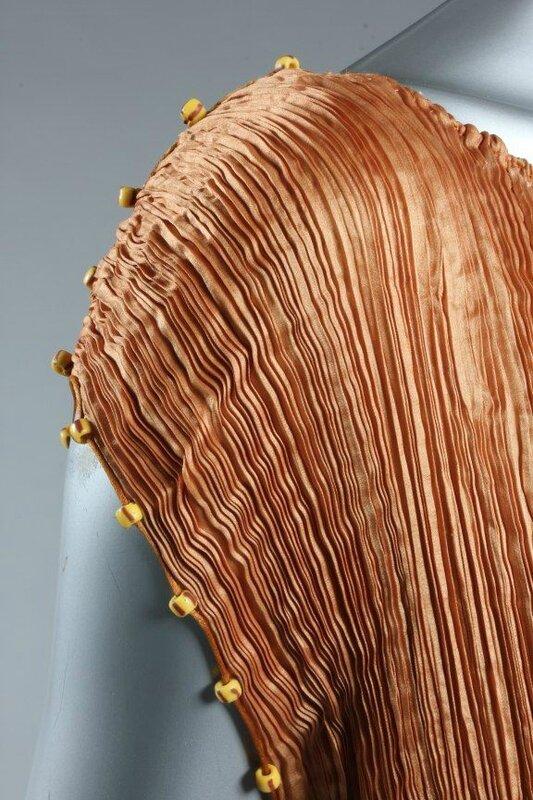 A Mariano Fortuny copper silk Delphos gown, circa 1920-30 5