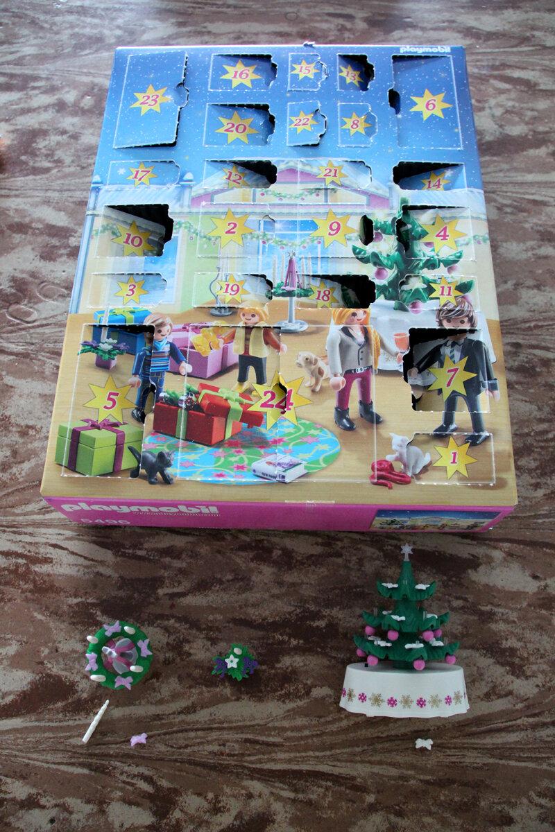 Calendrier De L Avent Playmobil Pas Cher.Le Calendrier De L Avent Reveillon De Noel Playmobil 5496