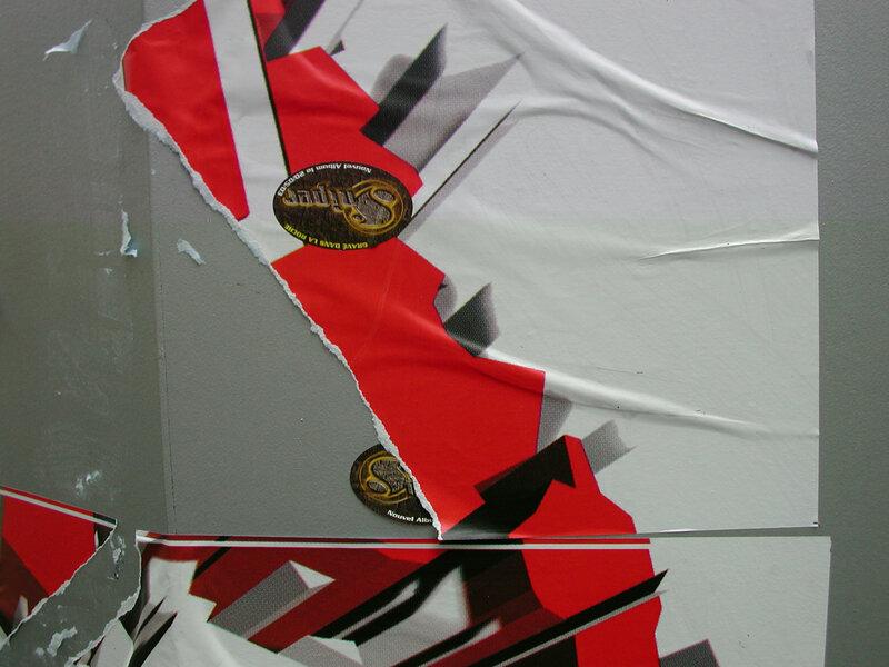 Dscn3874 papier déchiré rouge
