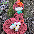 Test crochet - felton in chick costume...